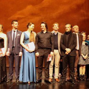 Zlaureats Et Jury Sur Scene