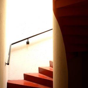 Escalier Rouge Blanc Mdc